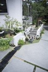 階段と植栽